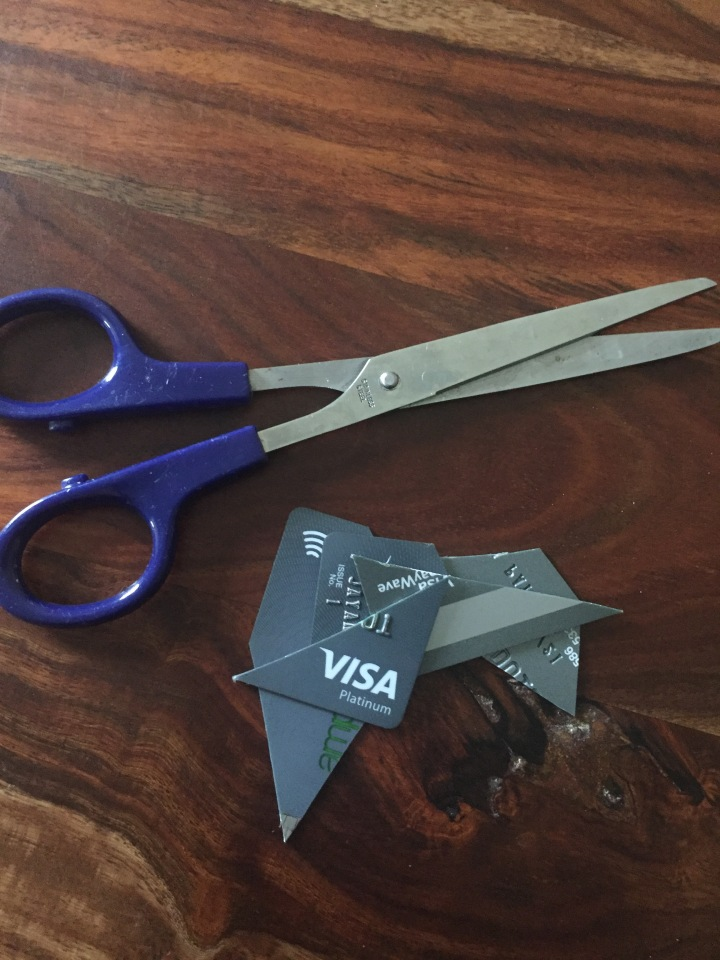 Plastic plunge – cutting up my creditcard